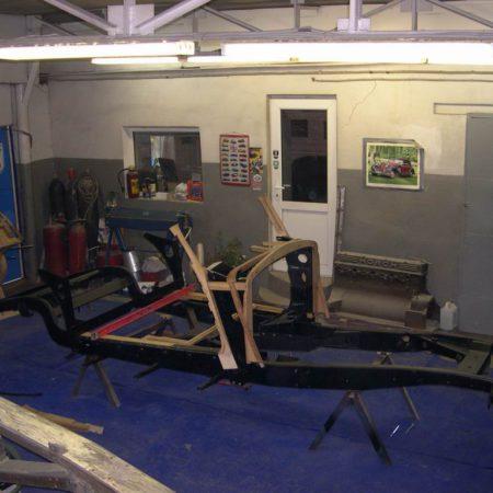 Реставрация рамы ретро автомобиля