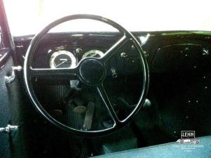 Приборная панель знаменитого ГАЗ М-1 1938 года